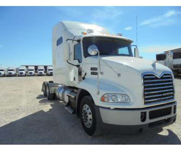 2012 Mack CXU 613 in Texas