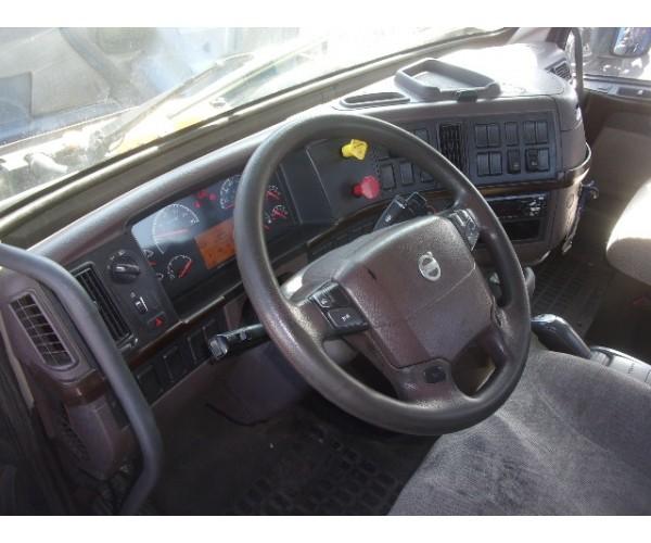 2016 Volvo VNM 200 Day Cab