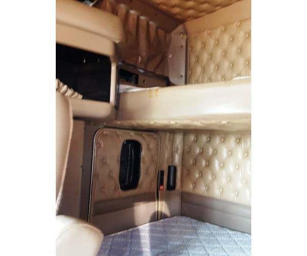 2005 Kenworth T600 7