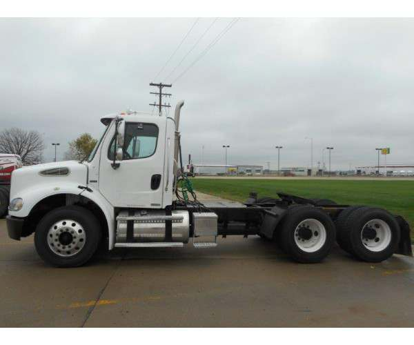 2005 Freightliner M2 Day Cab 8