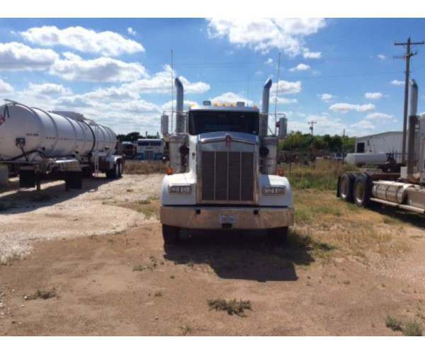 2009 Kenworth W900L Day CabM352 2