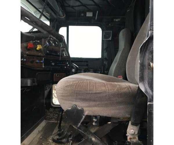 1999 Freightliner FLD120 4