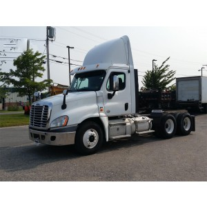 2013 Freightliner Cascadia Day Cab in ME