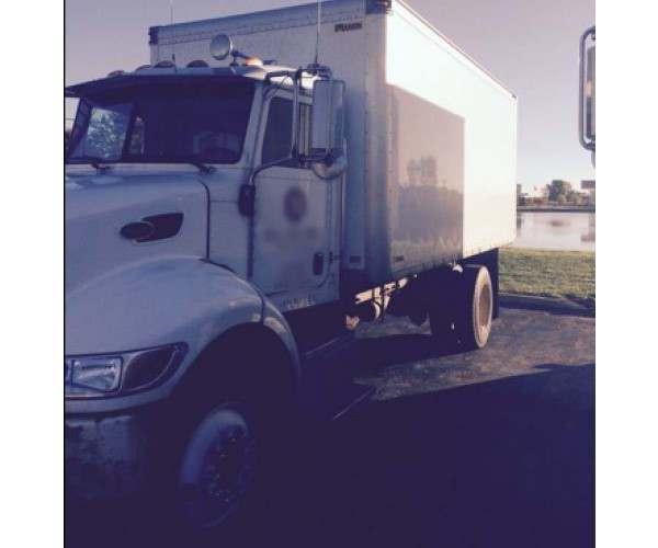 2007 Peterbilt Box Truck 3