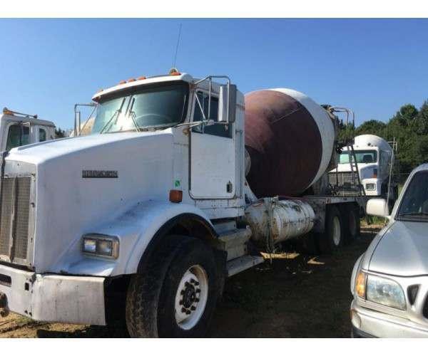 Kenworth T800 Mixer Truck in TX