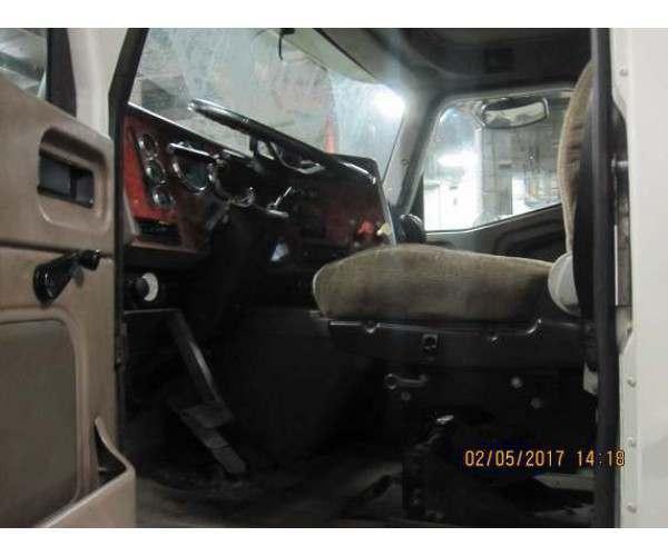 2004 International 9400i Day Cab 5