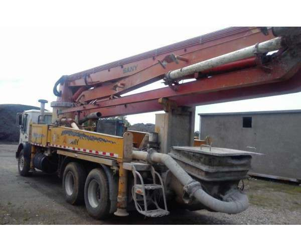 2007 Sany 37M Concrete Pump on Mack chassis