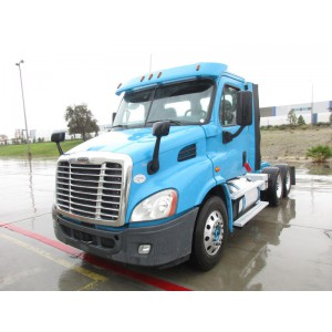 2015 Freightliner Cascadia Day Cab in CA