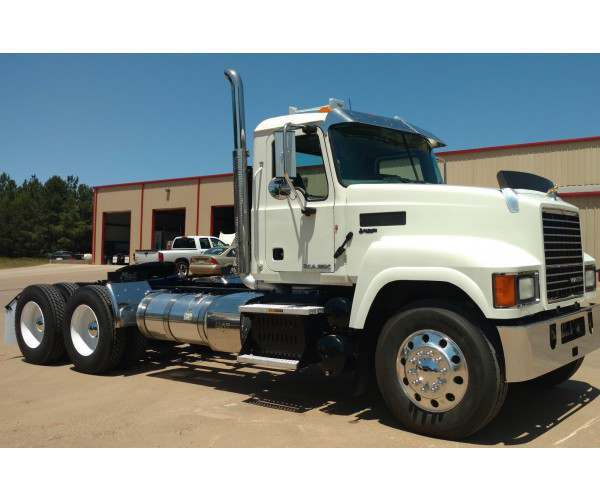 2014 Mack CHU613 Day Cab