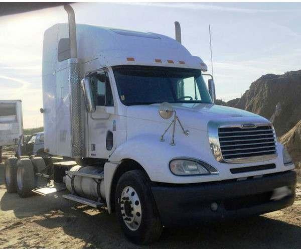 2010 Freightliner Columbia in CA