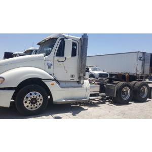 2007 Freightliner Columbia Day Cab in CA