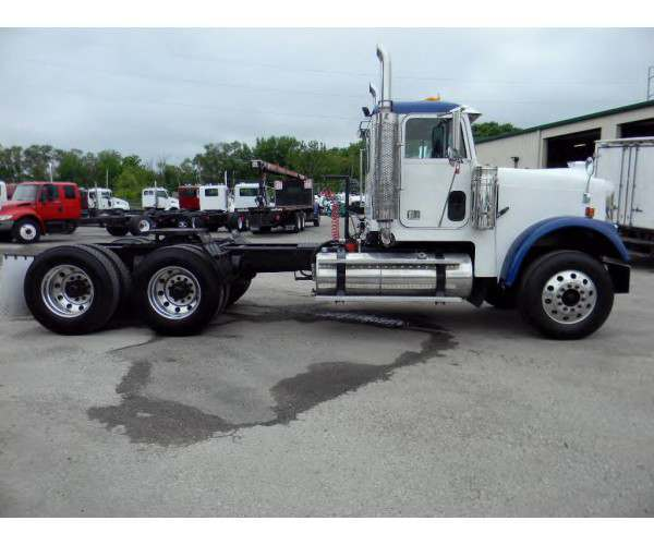 2007 Freightliner FLD 120 Day Cab in Kansas