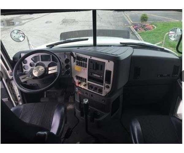 2012 Mack CXU613 sleeper 2
