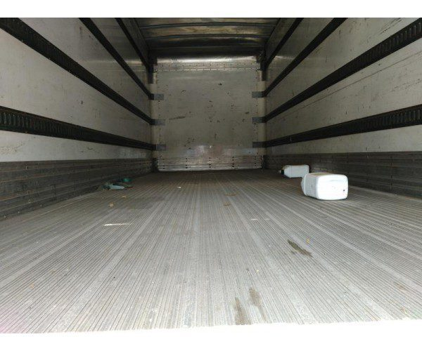 2007 Freightliner M2 Box Truck 3