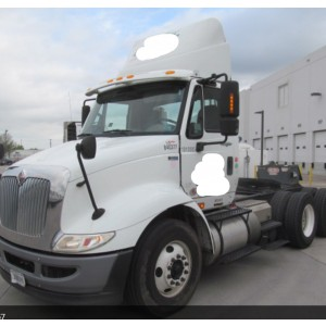 2013 International 8600 Day Cab in IL