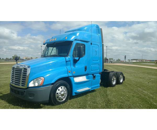 2014 Freightliner Cascadia in WI