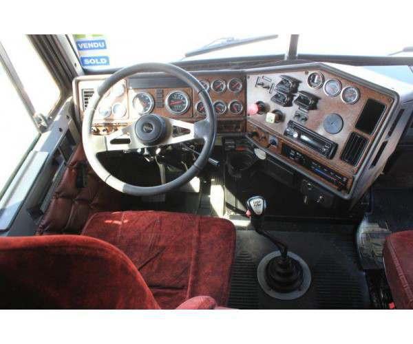 2007 Freightliner FLD120 6