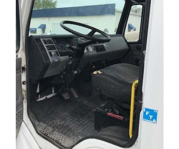 2003 Freightliner FL60 Day Cab 1