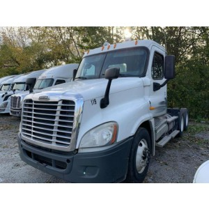 2009 Freightliner Cascadia Day Cab in IL