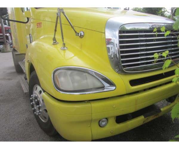 2004 Freightliner Columbia in MI