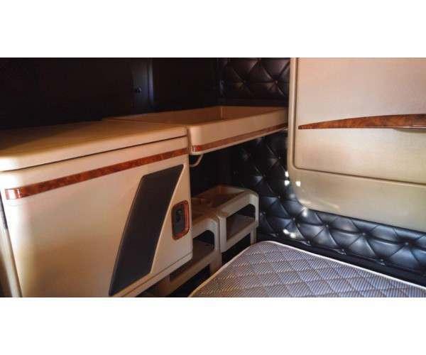 2013 International 9900i sleeper in Georgia, wholesale truck deal, ncl truck sales