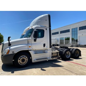 2016 Freightliner Cascadia Day Cab in TX