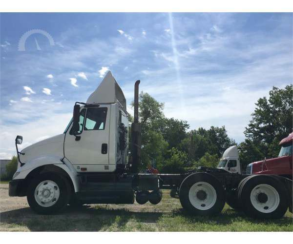 2005 International 8600 Day Cab in MO