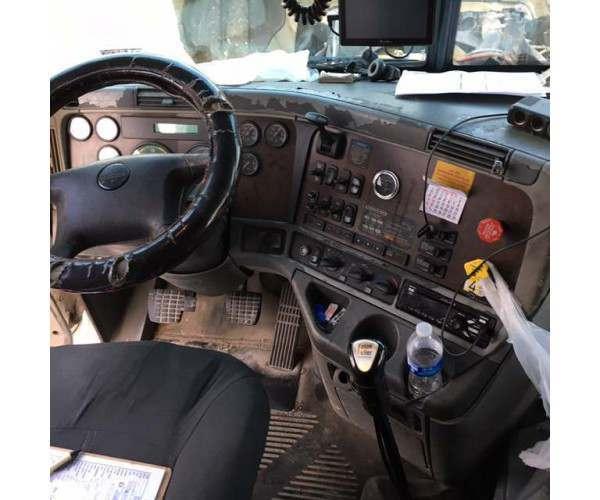 2007 Freightliner Columbia 5