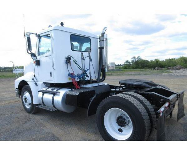 2002 International 9200i Day Cab5