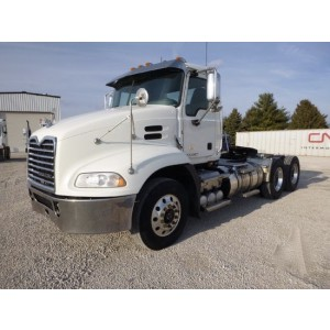 2015 Mack CXU613 Day Cab in IL