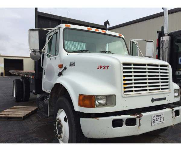 2001 International 4900 18' Flatbed Dump 4