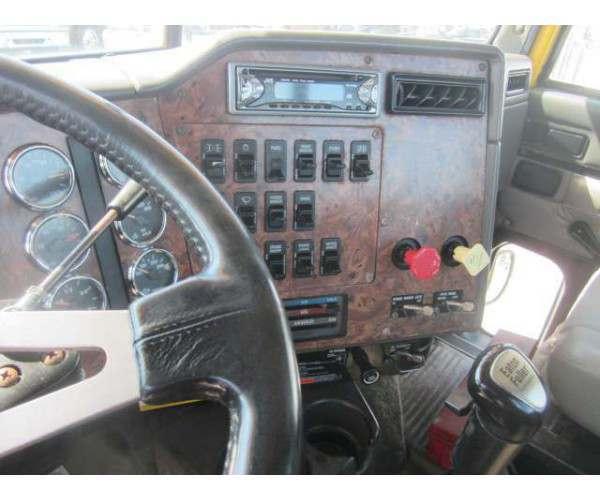 1998 International 9200 Day Cab7