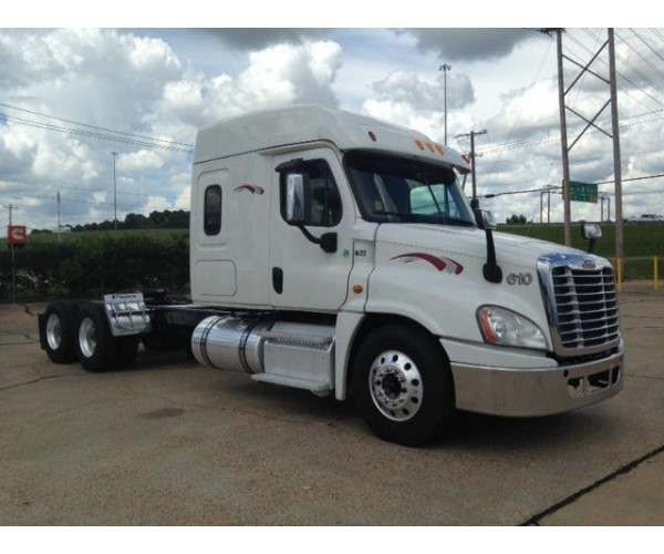 2014 Freightliner Cascadia in MS