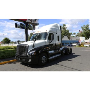 2013 Freightliner Cascadia in OR
