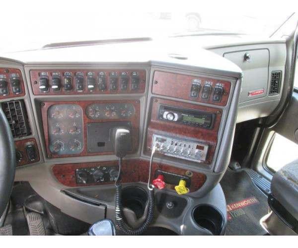 2005 Kenworth T2000 2
