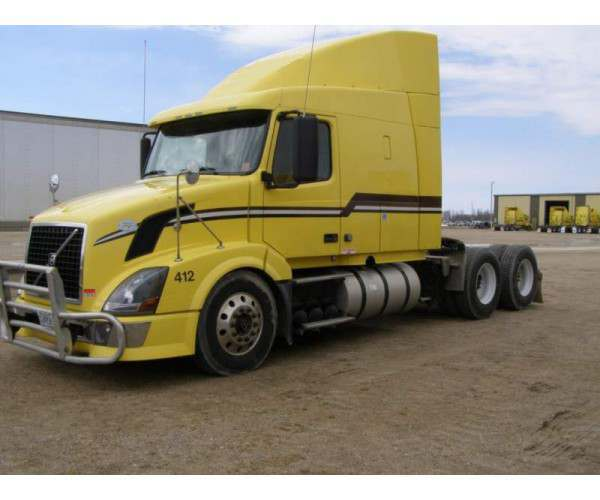 2009 Volvo VNL64T with cummins isx in Minnesota, wholesale, ncl truck sales