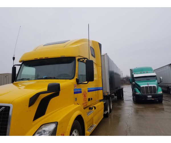 2012 Volvo VNL 670 in MI