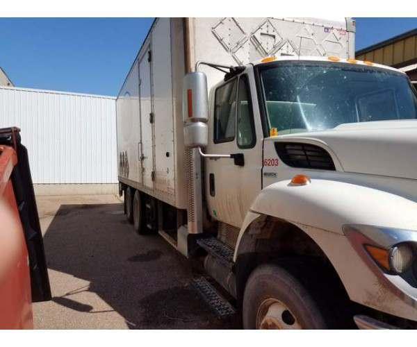 2009 International 7500 Dry Van Truck 5