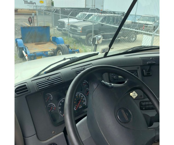2012 Freightliner Cascadia Day Cab in MO