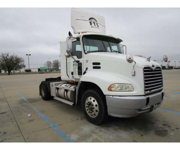 2004 Mack CX612 Day Cab 10