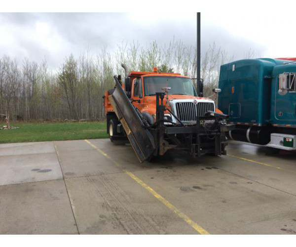 2006 International 7400 Plow Truck 2