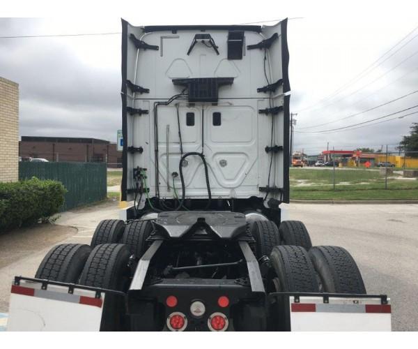 2016 Freightliner Cascadia in TX