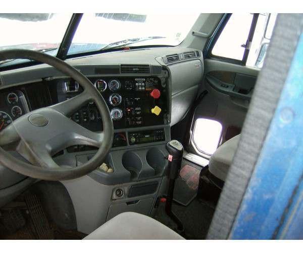 2004 Freightliner COLUMBIA 4