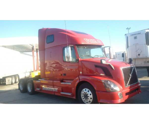 2007 Volvo VNL 670 with D16 engine