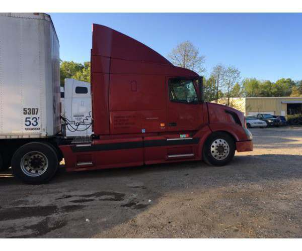 2007 Volvo VNL 630 with VED12 engine in North Carolina, wholesale, ncl truck