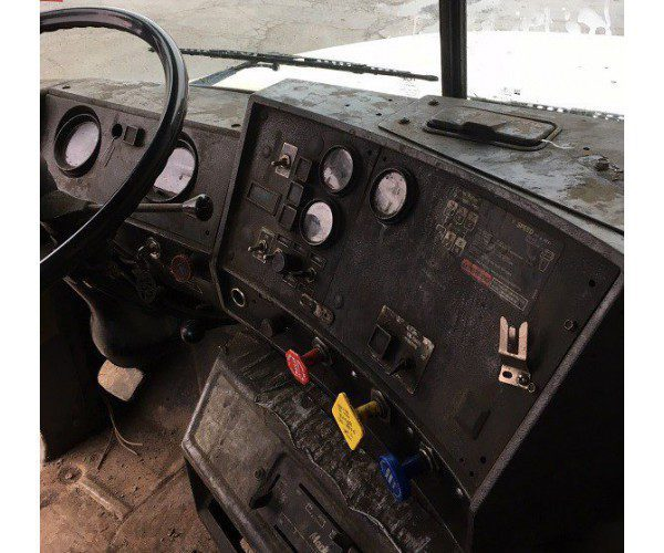 1995 Mack RD688S Day Cab 2