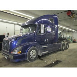 2012 Volvo VNL 670 in MN