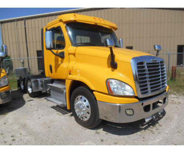 2012/2013 Freightliner Cascadia Day Cab