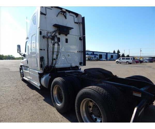 2013 Freightliner Cascadia3