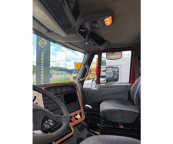 2011 International Prostar Day Cab in IL